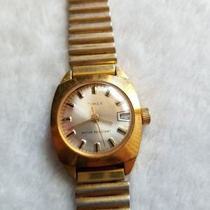 Vintage Womens Timex Windup Watch